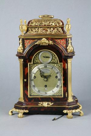 Musical striking clock