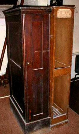 Table leaf storage box