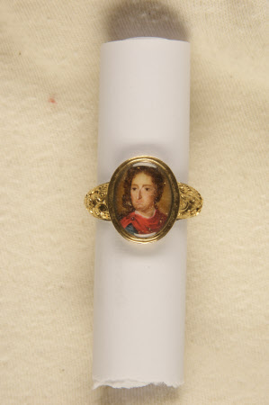 Gold ring with portrait miniature of King William III (1650-1702)
