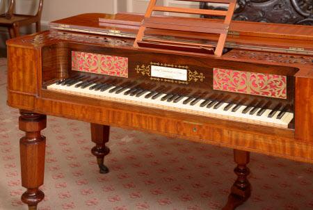 Table piano