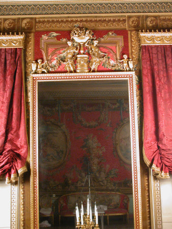 Tenture de Boucher: Panel behind Mirror