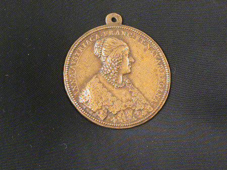 Medal of Anne of Austria, Queen of France, commemorating the founding of the College of Nanterre