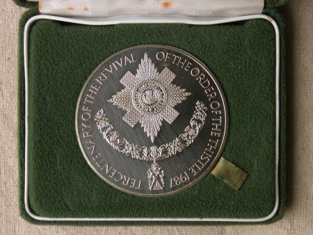 Medal commemorating the tercentenary of the revival of the Order of the Thistle