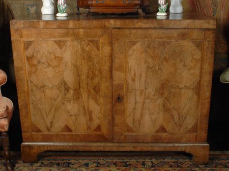 Side cabinet
