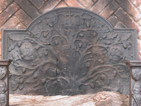 Fireback with 'Boscobel Oak' design