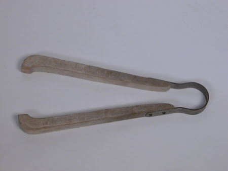 Laundry tongs