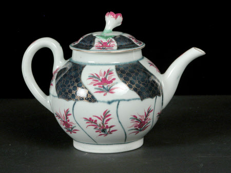 Teapot and stand