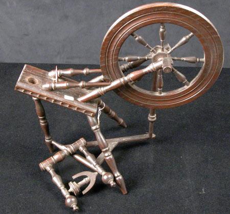 Miniature spinning wheel