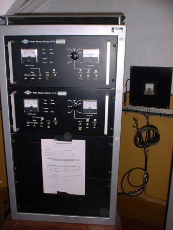 Radio beacon transmitter