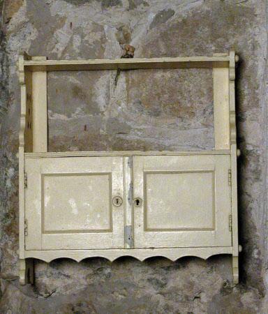 Wall cupboard
