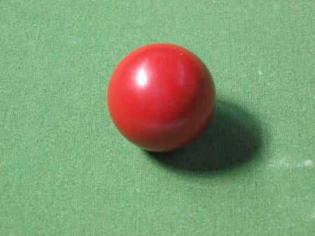 Miniature snooker ball