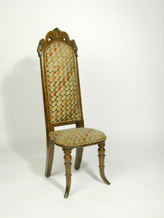 'correction' chair