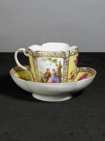 Quatrefoil cup