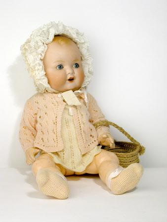 Doll's basket