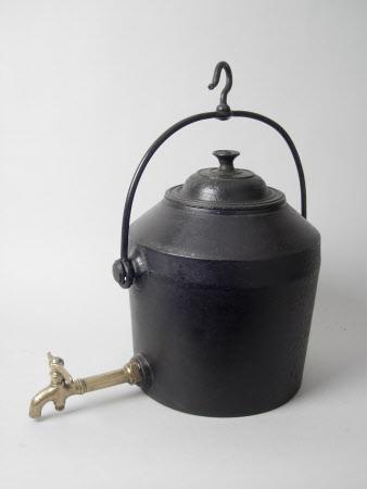 Tea urn