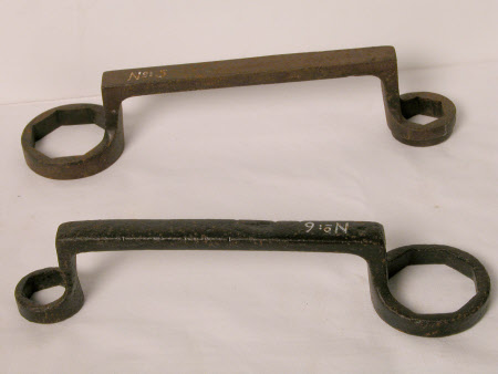 Carriage spanner