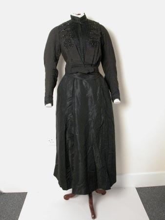 Mourning dress skirt