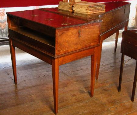 Harpsichord case
