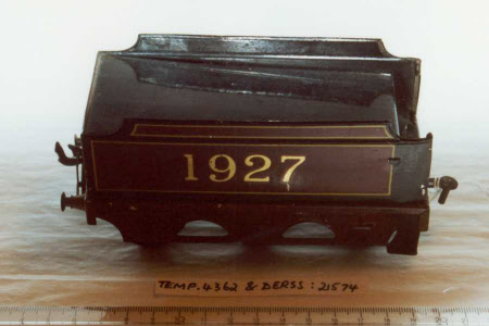 Toy train tender