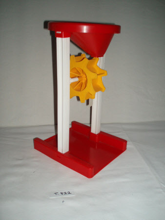 Sand or water toy