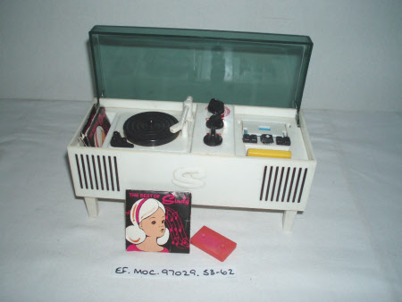 Doll's record player