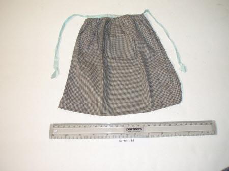 Doll's apron