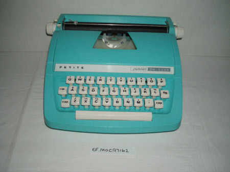 Toy typewriter