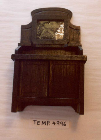 Doll's house washstand