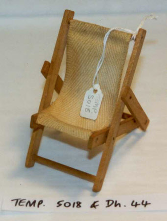 Doll's house deckchair