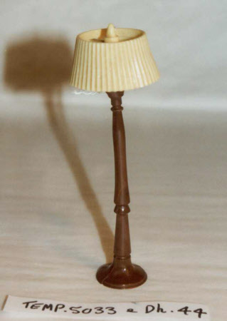 Doll's house lamp