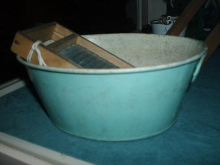 Doll's wash tub