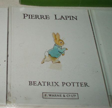 L'histoire de Pierre Lapin [par] Beatrix Potter ; traduit de l'anglais par Victorine Ballon & ...