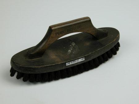 Blacklead brush