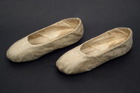 Ellen Terry's ballet shoes