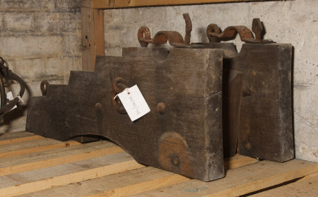 Cannon undercarriage
