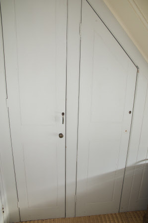 Fitted cupboard