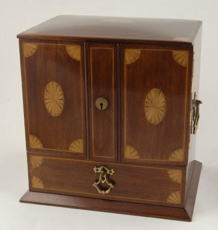Smoker's cabinet