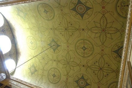 Coved ceiling, with delicate Neo-classical motifs