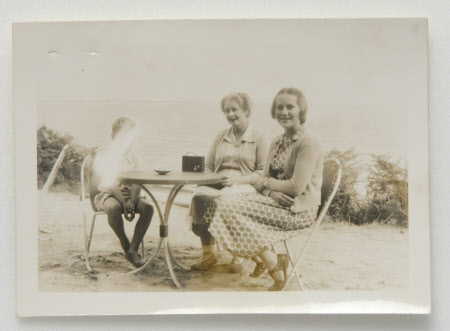 Daphne Maud Adelaide Bankes (1898-1967), with tourists, at the Studland cafe, Dorset: 1951.