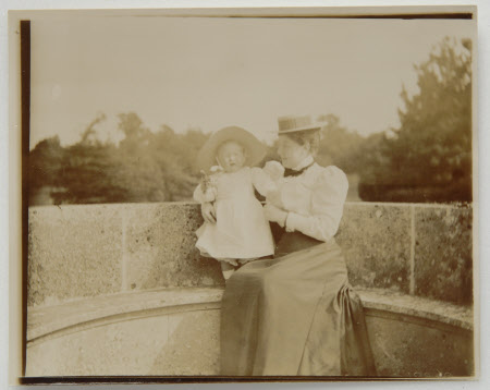 Henrietta Jenny Fraser, Mrs Walter Ralph Bankes (1871-1953) with her daughter Daphne Maud Adelaide ...