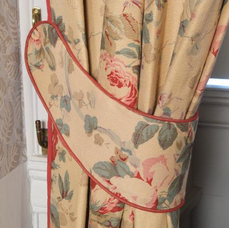 Curtain tie