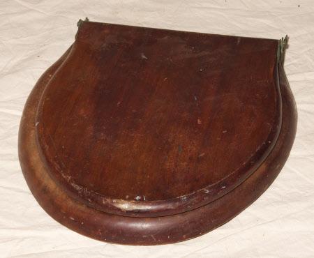 Lavatory seat