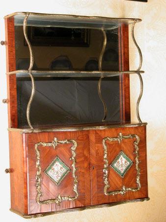 Mural cabinet
