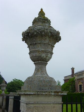 Urns (designed by James Gibbs)