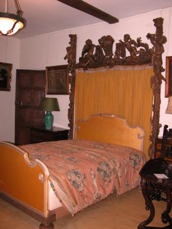 Bed surround