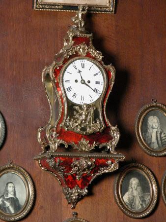 Clock bracket