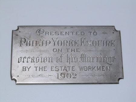 Commemorative plaquette