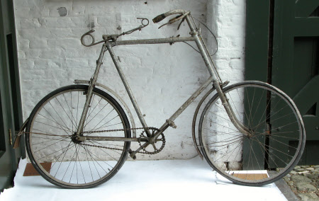 Man's safety bicycle