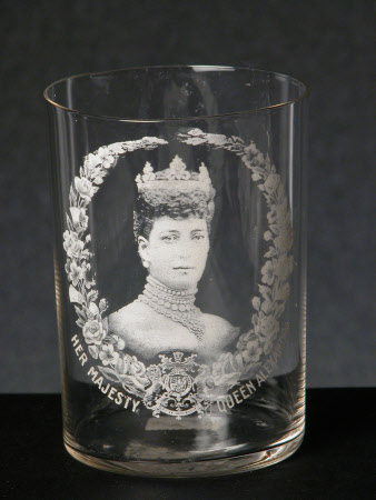 Glass tumbler to commemorate the coronation of King Edward VII (1841–1910) and Queen Alexandra ...