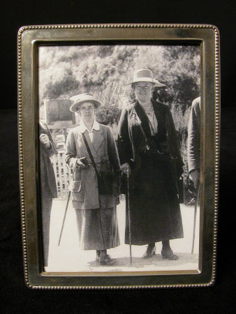 Rosalie Chichester (1865 – 1949) and Chrissie Peters (d.1939) in New Zealand